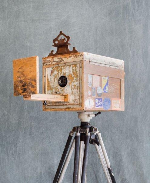 Portrait mit der 'Afghan Instant Camera' am 09.12.2018 bei CONZEN